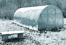 how to heat a greenhouse in winter for free