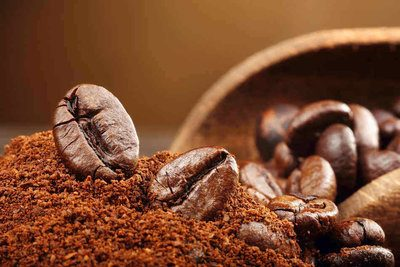 The actual facts about coffee grounds in the garden